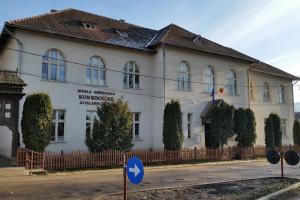 """Școala generală """"Kun Kocsárd"""""""