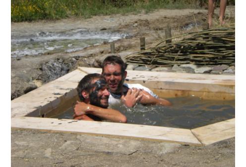 Hagyományos sós iszap fürdő a Sószorosban Parajd, Szabadidő, Szórakozás Parajd