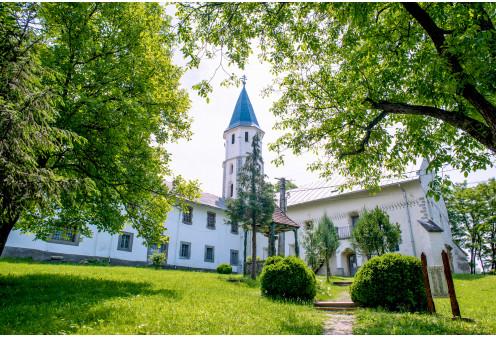 Ferences kolostor, templom és kripta Nyárádremete, Szabadidő, Szórakozás Nyárádremete
