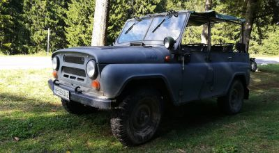 Adventure tour with Soviet jeeps