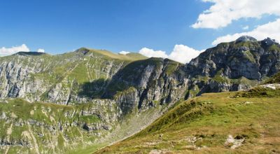 Day hiking in the Bucegi Mountains - version 2