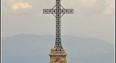 Heroes Cross Monument Busteni