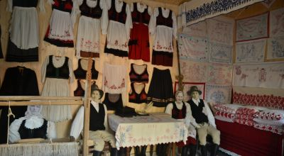 Szekler folk costume exhibition- Mugeni Mugeni